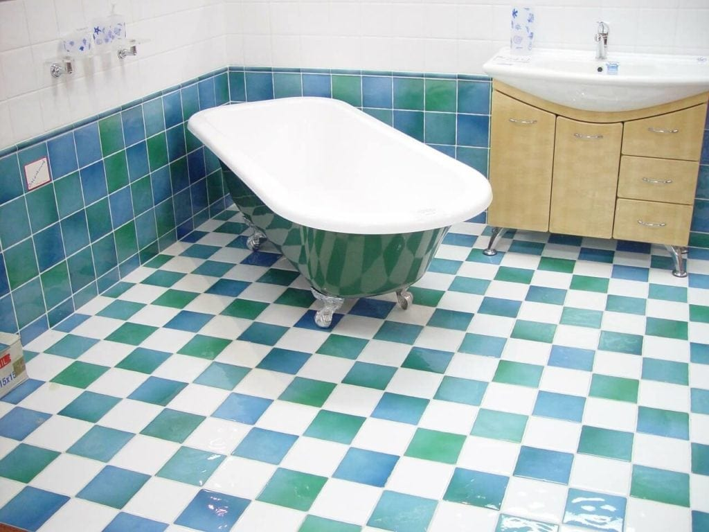 Practical Tips On Cleaning Bathroom Tiles Five Star House Cleaning - Bathroom tiles cleaning tips