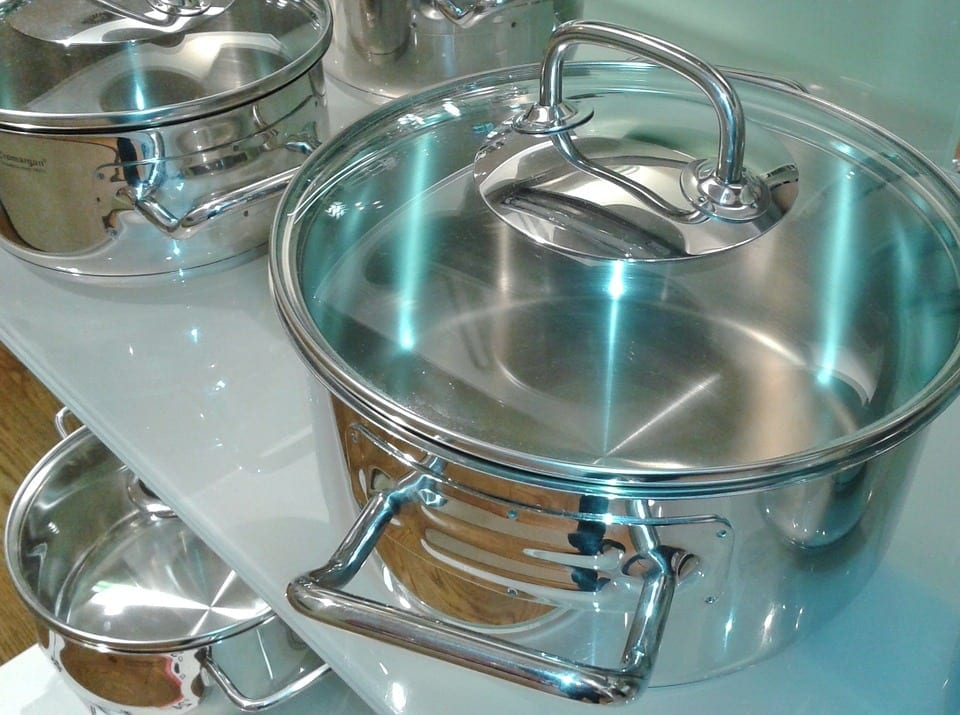 Cleaning and care instructions of stainless steel cookware