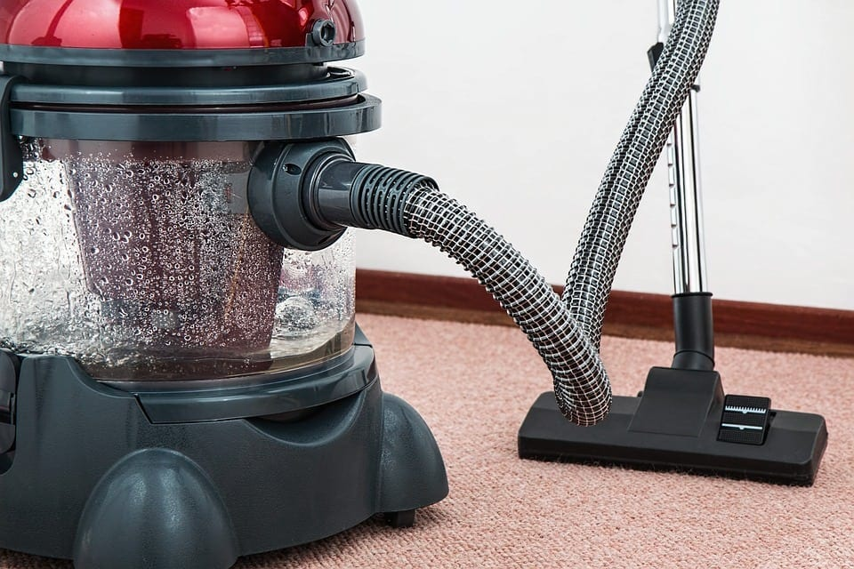 5 Tips to Help You Save Time Vacuuming